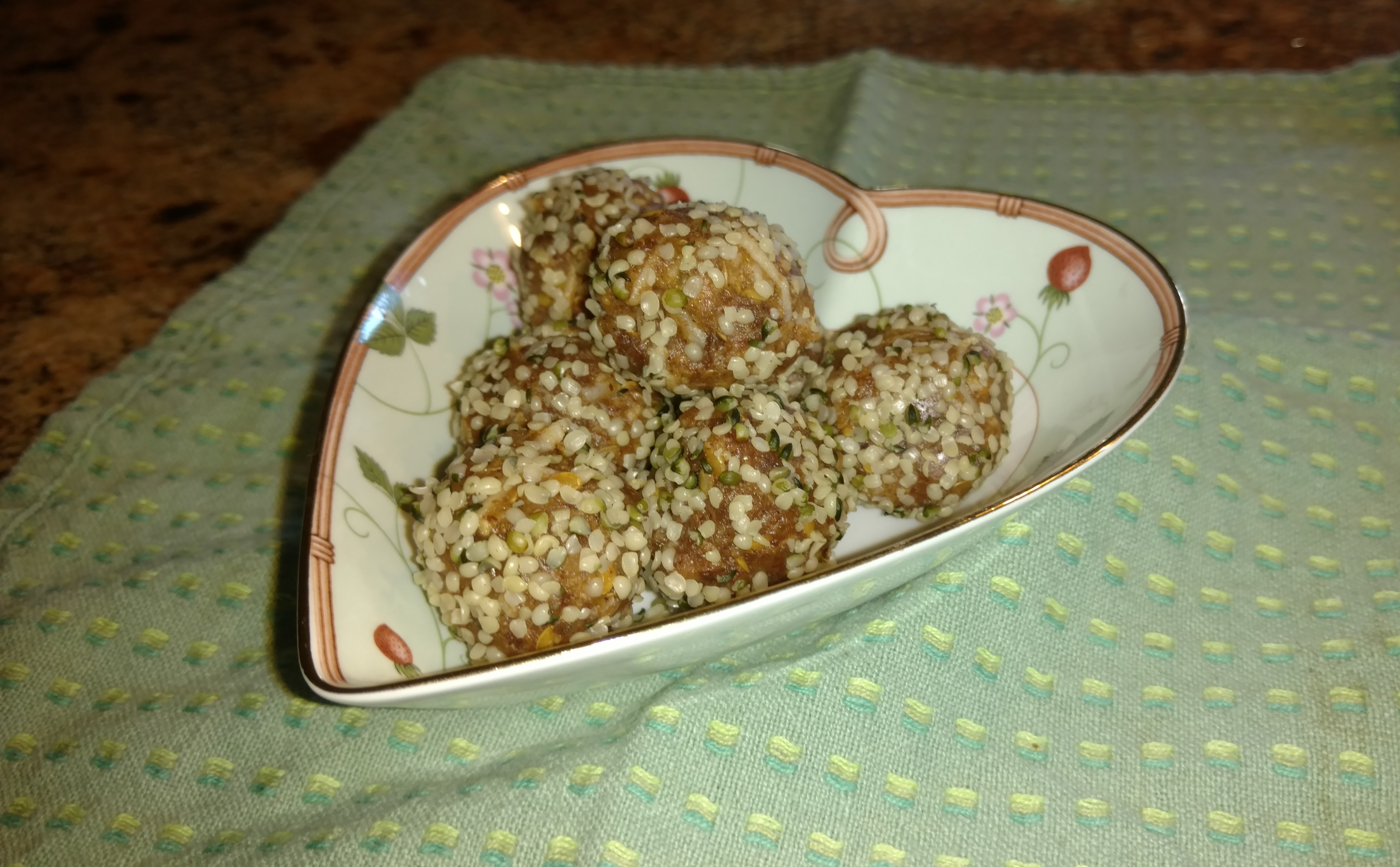 B3yond Nutrition Date Protein Energy Balls
